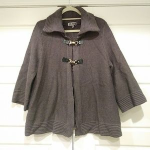 Large quarter bell sleeve gray knit buckle sweater